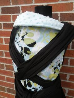 Hood to Headrest Mei Tai tutorial Crochet Onesie, Mei Tai Baby Carrier, Baby Boy Baptism Outfit, Baby Announcement Pictures, Mai Tai, Baby Sewing, New Baby Products, Diy Baby, Babywearing
