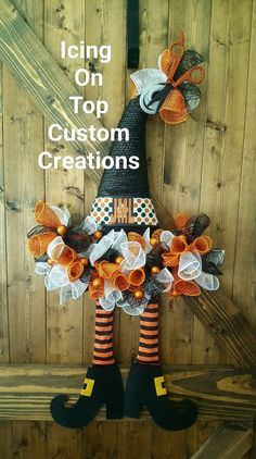 10 Spooktastic Decoration Ideas For Halloween Dollar Tree Halloween, Halloween Wood Crafts, Halloween Mesh Wreaths, Halloween Hats, Dollar Tree Crafts, Holidays Halloween, Holiday Wreaths, Fall Crafts, Holiday Crafts