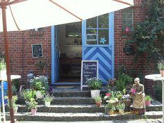 Hier mal ein sommerliches Bild von meinem kleinen Café in Bad Salzuflen.