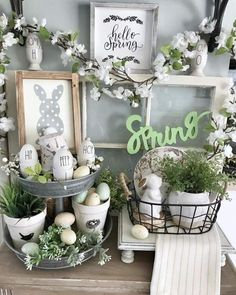DIY Easter Decorations ideas are amazing. Get best Easter decor ideas & easy Easter decorating tips here, including Easter decorations for home & Easter DIY decorating rae dunn DIY Easter Decorations ideas that are happy & hopeful Spring Home Decor, Spring Crafts, Spring Projects, Diy Osterschmuck, Easy Diy, Diy Easter Decorations, Decorating For Easter, Easter Centerpiece, Ramadan Decorations