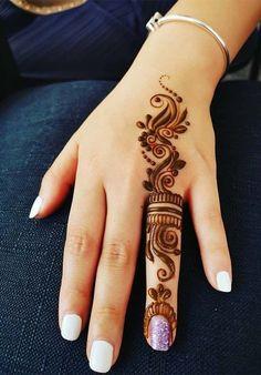Trendy and stunning 140 finger mehndi designs for 2020 brides! Trendy and stunning 140 finger mehndi designs for 2020 brides!,Mehendi Trendy and stunning 140 finger mehndi designs for 2020 brides! Mehandi Design For Hand, Mehndi Designs For Kids, Henna Tattoo Designs Simple, Finger Henna Designs, Simple Arabic Mehndi Designs, Mehndi Designs For Beginners, Mehndi Design Photos, Henna Designs Easy, Mehndi Designs For Fingers