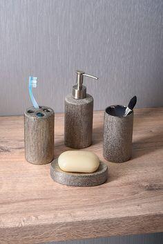 Vhodné doplňky dotvářejí Vaši koupelnu a vtisknou ji osobitý styl. Pokud si přejete koupelnu vybavit doplňky ve stylu glamour, série NICE bude tou správnou volbou.