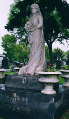 The Italian Bride/Mount Carmel Cemetery in Chicago