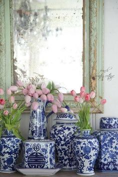 Shabby Chic furniture and style of decor displays more 'run down' or vintage items, or aged furniture. Shabby Chic is the perfect style balanced inbetween vintage and luxury, or '… Decor, White Pottery, Blue And White, French Country Cottage Decor, Blue Decor, Cottage Decor, Home Decor, Country House Decor, White Decor