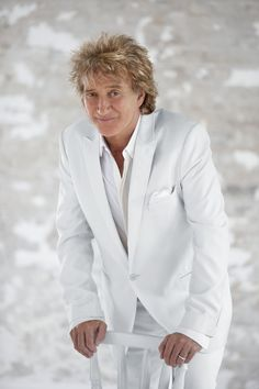 Following his sell out 2010 tour, Rod Stewart will once again take to the stage as he embarks on an eagerly anticipated Live The Life tour next June. Never failing to deliver, the Grammy Award winning, two time Rock & Roll Hall of Fame inductee and one of the world's best selling musical artists, will play arenas across the country including Nottingham, London, Manchester, Birmingham, and Sheffield.