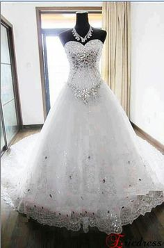 Bling bling wedding dress my dream 👗 Princess Wedding Dresses, Dream Wedding Dresses, Bridal Dresses, Wedding Gowns, Bridesmaid Dresses, Wedding Dresses With Bling, Weeding Dresses, Wedding Cake, Lace Wedding