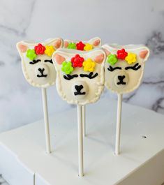Excited to share this item from my #etsy shop: Llama Cake Pops #llamaparty #llama #cakepops