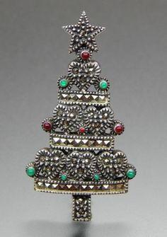 Judith Jack Sterling Silver Marcasite Ridged Ornate Christmas Tree Brooch Pin
