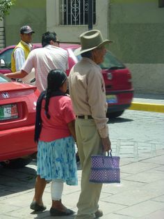 A local couple in Oaxaca, Oax. © The MEXICO Report