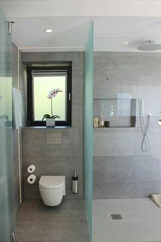 WC, finestra i dutxa