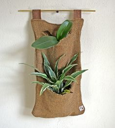 Burlap Hanging Planter | That's just too cool