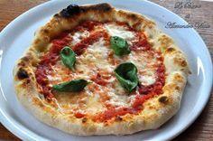 Pizza napoletana con impasto verace, ricetta passo passo Neapolitanische Pizza, I Love Pizza, Pizza Bake, Calzone, Focaccia Pizza, Quiches, Italian Dishes, Italian Recipes, Al Dente