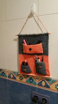 Orgullosa de mi trabajo. #punto #crochet #agujascirculares #baño #maquillaje   Ya tiene su sitio.