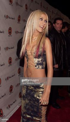 Christina Aguilera Shows off Impressive Weight Loss 2000s Fashion Trends, Early 2000s Fashion, 90s Fashion, Fashion Outfits, 00s Mode, 90s Grunge Hair, Christina Aguilera, Mode Outfits, Aesthetic Clothes