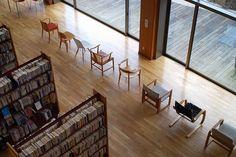 安来市立図書館