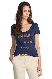 V-paita kuluneella printillä
