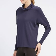 UNIQLO Women Heattech Extra Warm Turtleneck T-Shirt ($9.90) ❤ liked on Polyvore featuring tops, t-shirts, turtle neck tops, blue top, turtleneck tops, blue turtleneck and uniqlo
