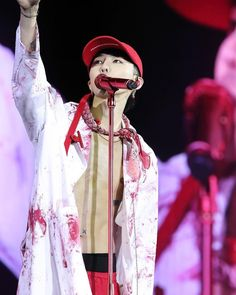 "57 curtidas, 1 comentários - G-DragonT.O.P GTOPBIGBANG (@bigbang_gdtop_vip) no Instagram: ""G-DRAGON 2017 WORLD TOUR <ACT III, M.O.T.T.E> IN MACAO! #gdragon #giyongchy #gd #kwonjiyong…"""
