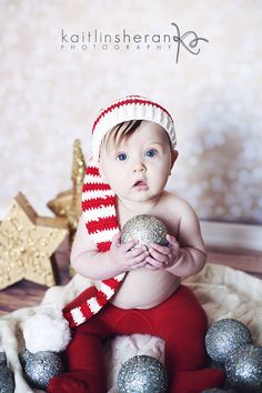 christmas pictures 6 month old baby portraits christmas baby www.kaitlinsheranphotography.com