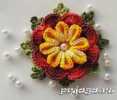 Объёмный цветок крючком