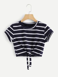 Knot Front Striped Crop Tee - Knot Front Striped Crop Tee Source by lea_weidenbach - Cute Girl Outfits, Cute Casual Outfits, Pretty Outfits, Stylish Outfits, Winter Dress Outfits, Crop Top Outfits, Crop Top Shirts, Crop Tee, Outfit Winter