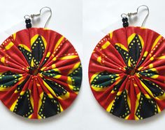 Items similar to Africa Earrings on Etsy African fabric earrings Diy African Jewelry, African Accessories, African Necklace, Diy African Earrings, Fabric Earrings, Fabric Beads, Diy Earrings, Textile Jewelry, Fabric Jewelry