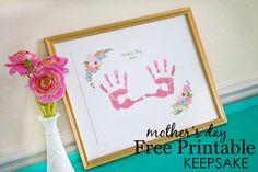 #MothersDay Free Printable Keepsake - simply print and add handprints for an adorable keepsake for Mom or Grandma!