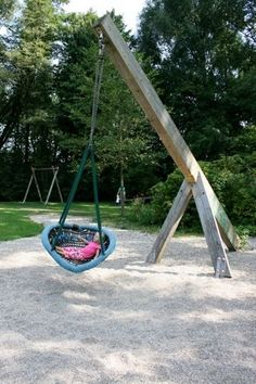 I want one of these to swing and nap in by the garden. Problem is getting someone to push me for as long as I want to be pushed. Wonder if I could rope a nearby tree and just give it a yank and swing myself? lol