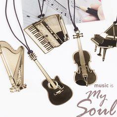 Закладки в виде музыкальных инструментов. Нашла здесь - http://ali.pub/1xeyu