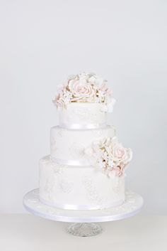 A vintage inspired cake from @Elizabeth Lockhart's Cake Emporium Majestic 2013 Collection.