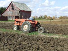Plow day.Allis Chalmers  D10,D12,D14,D15,D17 or D19 tractor