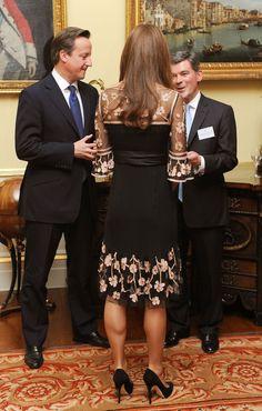 La duquesa Catherine  con el primer ministro David Cameron