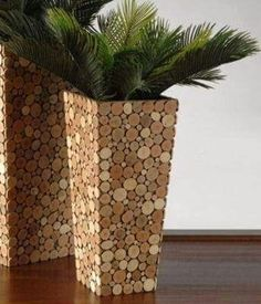 Top 101 DIY Wine Cork Craft Ideas that you can do with your family or by yourself. Collection of one the most beautiful and creative DIY Wine Cork Projects. Wine Cork Art, Wine Cork Crafts, Wine Bottle Crafts, Wine Corks, Home Crafts, Diy And Crafts, Arts And Crafts, Garden Crafts, Garden Ideas
