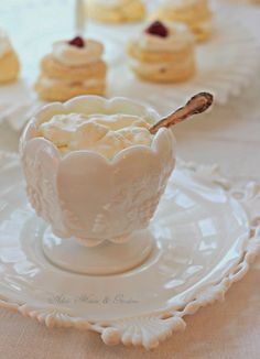 Aiken House & Gardens: Milk Glass White Tablescape