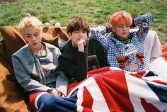 jin seokjin jungkook v taehyung bts Jungkook V, Taehyung, Bts Bangtan Boy, Bts Hyyh, K Pop, Foto Bts, Taekook, Photo Facebook, Bts Young Forever
