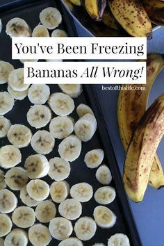 How to Freeze Bananas because this is one kitchen tip that will save you loads of money Say goodbye to the dreaded black frozen banana and start freezing your bananas a better way to create delicious smoothies and nice cream. Freezer Cooking, Freezer Meals, Cooking Recipes, Recipes To Freeze, Cooking Tips, Yummy Smoothies, Smoothie Recipes, Freezing Fruit, Freezing Vegetables