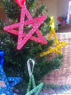 Easy Christmas Crafts for Kids: Craft Stick Stars Eisstiele! Noel Christmas, Diy Christmas Ornaments, Simple Christmas, Christmas Decorations, Tree Decorations, Christmas Crafts For Kids To Make, Christmas Activities, Holiday Crafts, Christmas Projects
