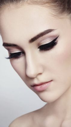 3 steps to smudge-proof eyeliner