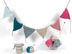 Des jolis fanions pour que ce soit la fête à la maison !   Le tuto c'est par ici : http://makeri.st/tuto-fanions-crochet