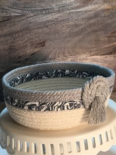 Items similar to Rope Bowl on Etsy Rope Basket, Basket Weaving, Woven Baskets, Rope Decor, Rope Shelves, Crochet Bowl, Fabric Bowls, Rope Crafts, Cotton Rope
