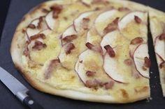 Pizza munster, pomme et lardons, les recettes de nos chefs