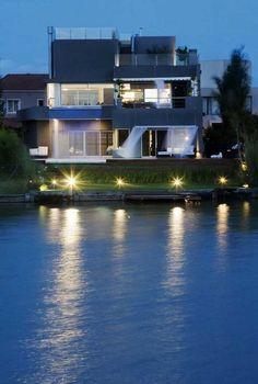 + Arquitetura :   Projeto da Andrés Remy Arquitectos, a casa esta localizada em Buenos Aires (Argentina).