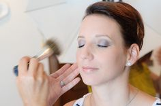 5 Makeup Tips for Flawless Skin on Your Wedding Day Best Bridal Makeup, Best Makeup Tips, Bridal Beauty, Wedding Makeup, Best Makeup Products, Daily Beauty Tips, Beauty Tips In Hindi, Beauty Hacks, Beauty Care