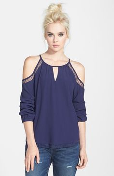 Dainty lace details sweeten this sultry cold-shoulder top styled with an alluring front keyhole and a daring side-slit hem. Dressy Tops, Flowy Tops, Look Fashion, Womens Fashion, Mode Top, Western Outfits, Cute Tops, Blouses For Women, Casual Wear