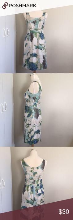 Banana Republic Silk Print Dress 100% Silk (Lining 100% Acetate) Split in back of dress. Banana Republic Dresses