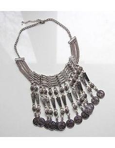 Latz-Halskette mit Münzen