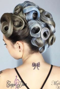 Vintage Hairstyles Curls - Short hair doesn't have to mean boring hair. There are plenty of elegant hairstyles for those who prefer shorter hair. Check out some of our favorites. Curled Updo Hairstyles, Rock Hairstyles, 1940s Hairstyles, Short Hairstyles For Thick Hair, Elegant Hairstyles, Short Hair Styles, Pin Curls Short Hair, How To Curl Short Hair, Pin Up Hair