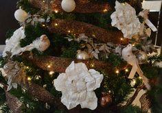 Y para un hotel de cuatro estrellas en el centro de Barcelona, un espectacular árbol de navidad personalizado en cobre, plata y blanco