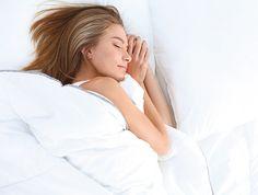 Le diabétique avec ses soucis de santé, ses maux de tête, ses douleurs cervicales, ses douleurs musculaires, sa glycémie mal réglée… a également et souvent des difficultés à trouver un sommeil réparateur.  Bien dormir… un rêve pour ceux d'entre nous qui n'arrivent pas à fermer l'œil de la nuit. Certes, la plupart des Français qui souffrent d'insomnie ont recours aux somnifères mais, on le sait désormais, ce n'est pas la solution car ils procurent un sommeil de mauvaise qualité, non…