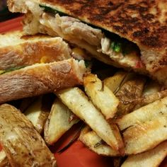 Rosemary fries with grilled turkey and spinach
